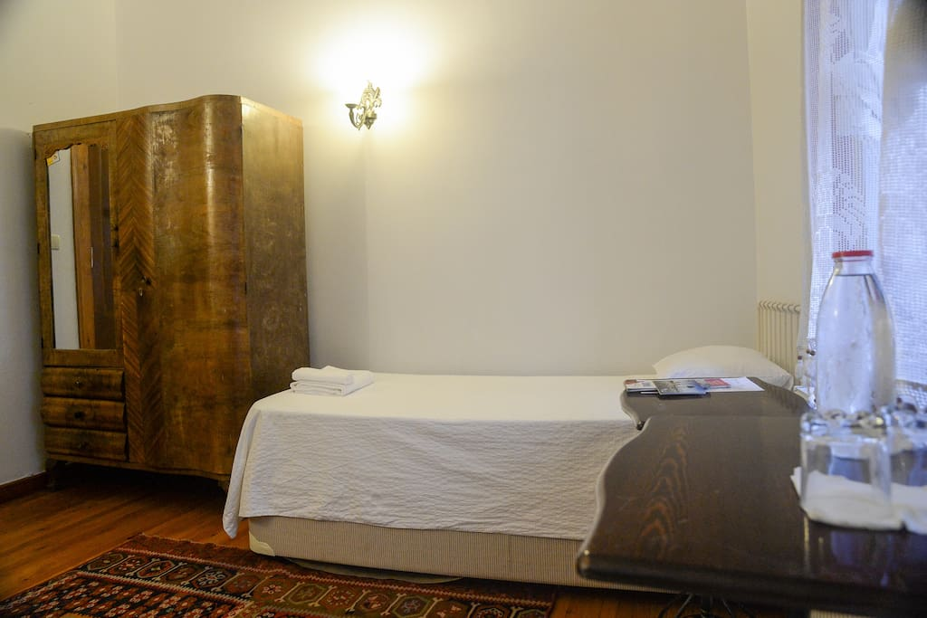 Two Bedded @ Authentic House, Konak
