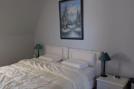 Kamer 6 - Rivarennes - Linna