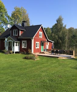 """Cosy and modern """"Smålandstorp"""" - Huis"""