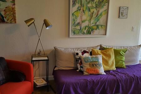 Cozy Home away from Home - Orlando - Osakehuoneisto