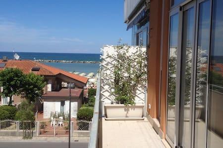 Romantico, a un passo dal mare - Appartamento