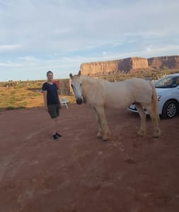 Navajo  camping and RV parking - Oljato-Monument Valley - Camper/Roulotte