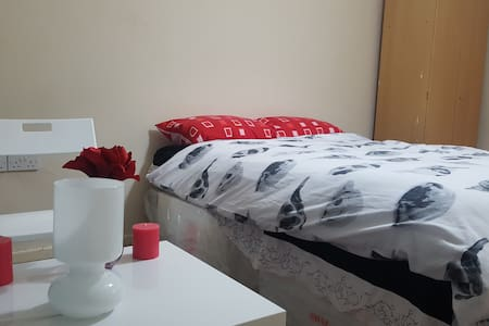 Rusholme-Uni FLAT RENTAL萊斯公寓 - Manchester - Bed & Breakfast