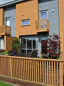 Great house for families, close to airport - Huoneisto