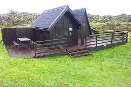 Guesthouse(small) in lava Arnardrangur (Eagle Rock - Jurta