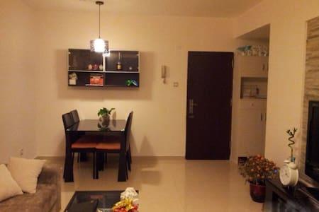 高级住宅区2卧1厕绝佳位置 - Apartment