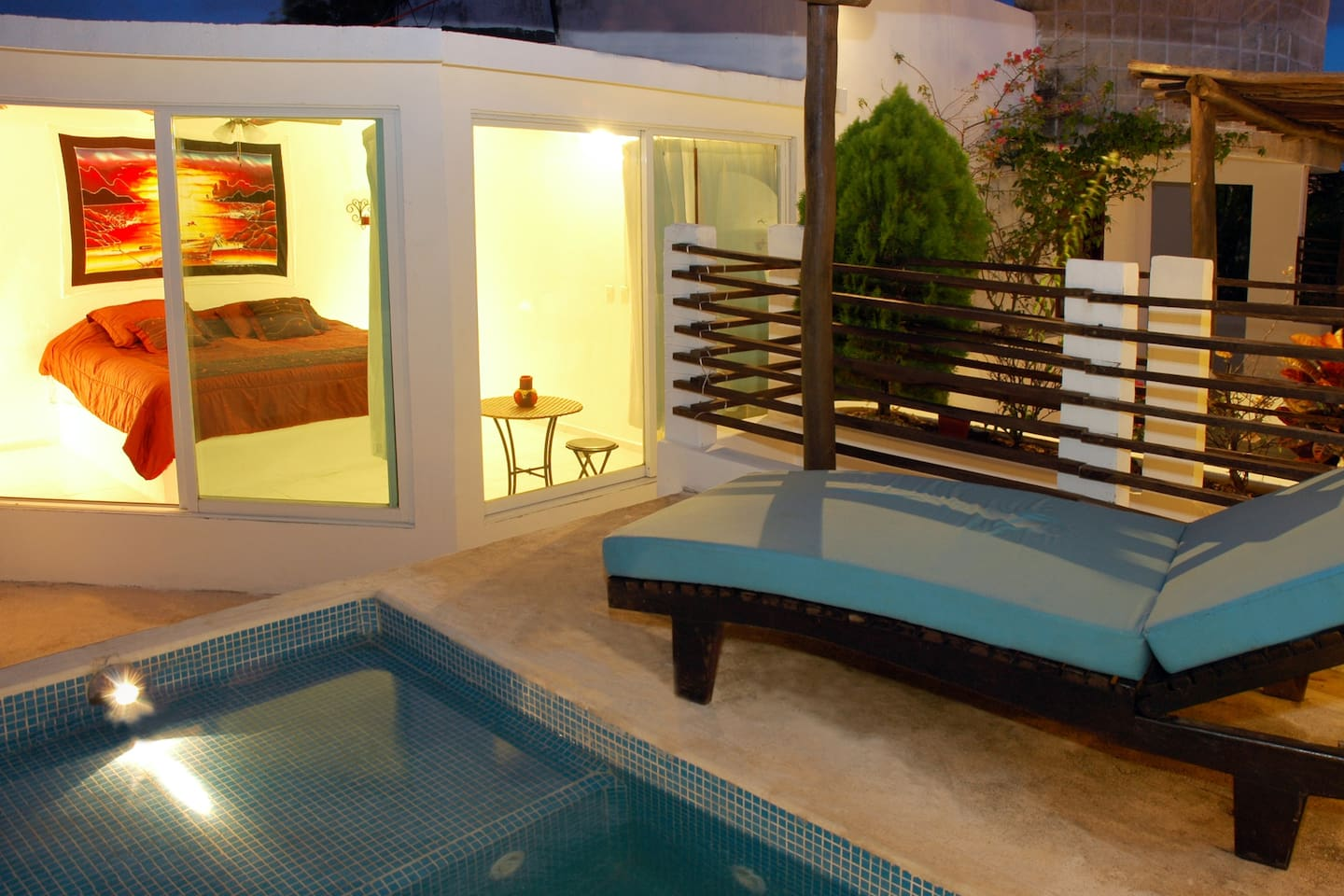 private pool step away from king Size bedroom