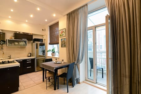 2rLuxury studio jakuz only$39Center - Wohnung