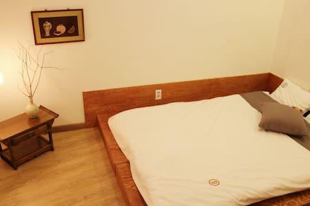 백희 Space4 (Becky guesthouse space4) - 전주시 - Bed & Breakfast