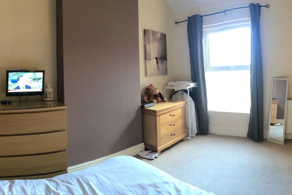 The Guest Room , with TV, Apple TV , Private lockable room and King comfortable Size bed