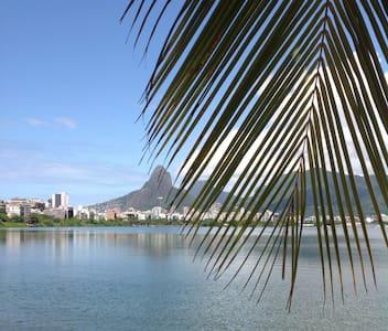 Charming Lagoa - Pis