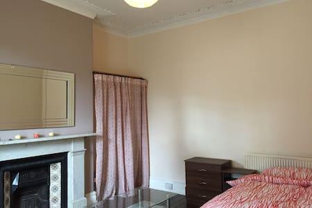 Large double room, Newsham Park L6