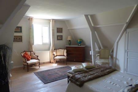 Maison contemporaine tout confort - Moyaux - Villa