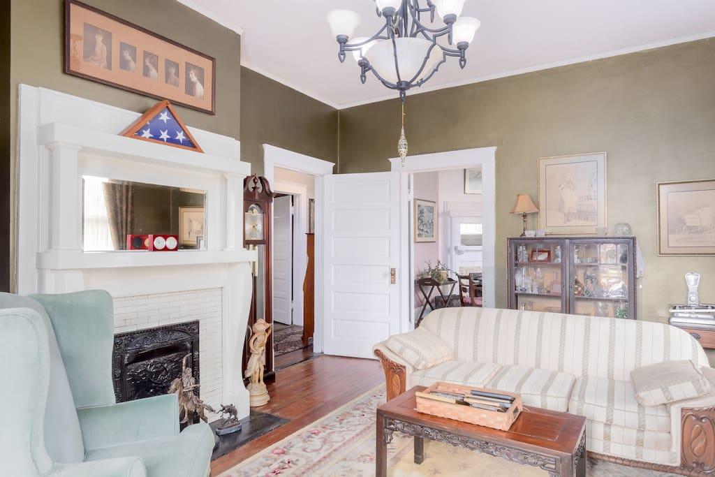 Living room full of antiques