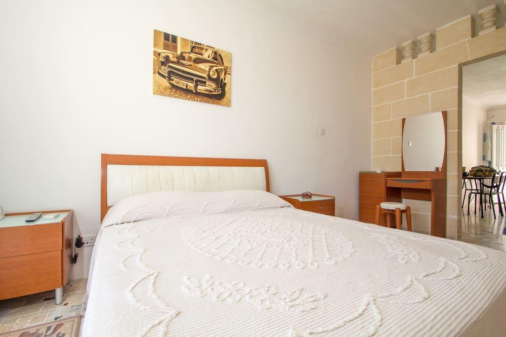1 bedroomed, cosy apt 3min from sea