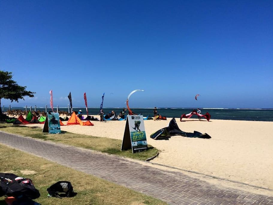 Kite surf beach 5 min walk and yoga studio,