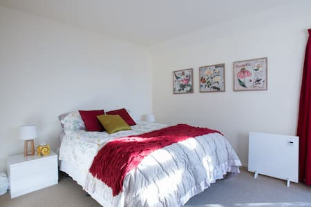 Comfortable Queen room with ensuite