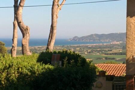 Casa Costa Brava. Mar y Montaña. - Dom