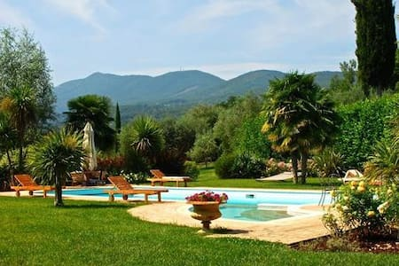 SARTEANO - VILLA WITH PRIVATE POOL