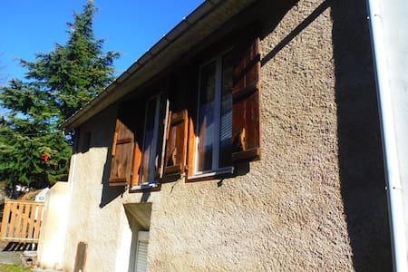 Maison dans les Pyrénées - Haus