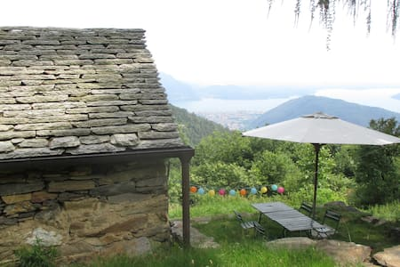 Mountain hut - Lake Maggiore view - Otros