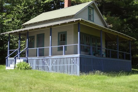 Charming cabin, mountain views - Bridgton - Kabin