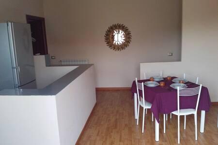 Appartamento a Milano Rogoredo. - Lägenhet