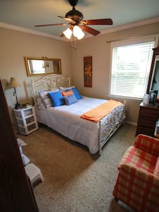 Country Living Bed & Breakfast - Enid - Bed & Breakfast