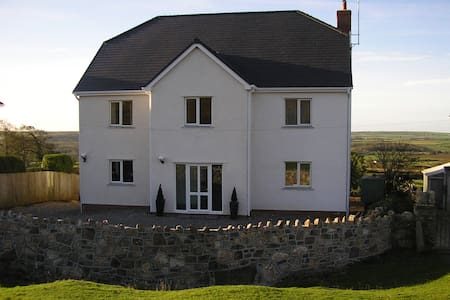B&B in centre of  Gower peninsula - swansea