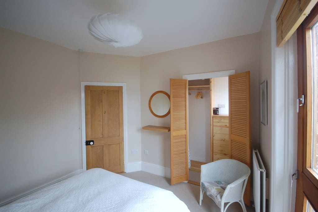 Double bedroom with built in wardrobe