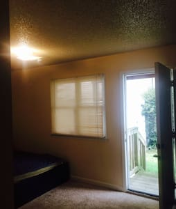 Va Beach,1BR, Full bath,prvt entry - Virginia Beach - Maison
