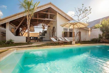Cozy & calm 3BR villa next to Bingin / Uluwatu - Badung Regency