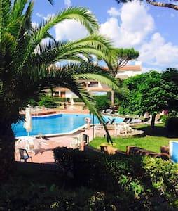 Appartamento in parco con piscine - Baia Domizia - Apartemen