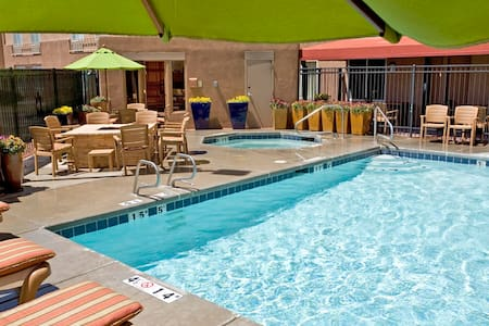 Lovely Room at the Inn with Pool-A - Santa Fe - Bed & Breakfast
