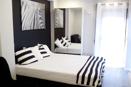 Apartment T0 - Black & whith