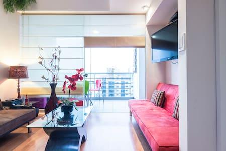 Modern duplex w/balcony