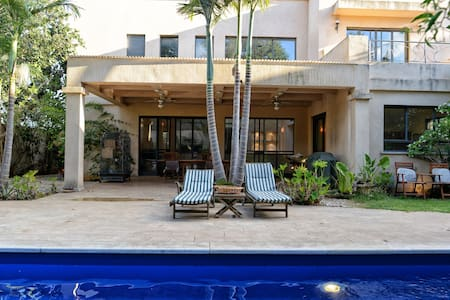 Room in Gorgeous Luxurious Villa + Pool - Tzoran-Kadima - Casa de camp