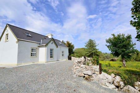 Cottage 179 Cashel - Delia's Lodge - Galway