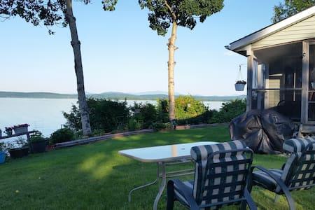 Gorgeous Lake Champlain & Mountain Views - Apartamento