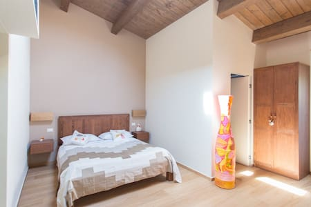 """The Farmhouse """"Castelli in aria"""" placed on the top of a hill into the Calanchi' s natural Reserve of Atri offers 3 comfortable rooms,in the morning you will delighted by a rich breakfast..On reservation we can provide lunch and/or dinner."""