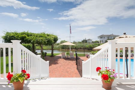 IDYLLIC BAYSIDE SUITE IN WESTHAMPTON NEAR BEACHES - Westhampton - Σπίτι