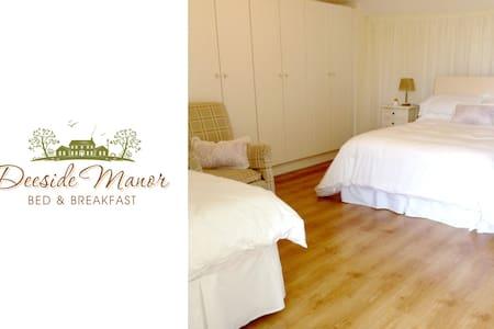 Deeside Manor R5 Castlebellingham - Bed & Breakfast