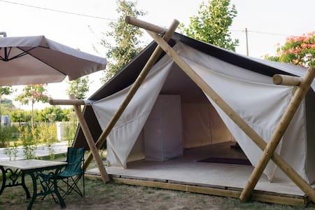 Tuscany Baratti Exclusive MaxiTent Lounge5 - Khemah