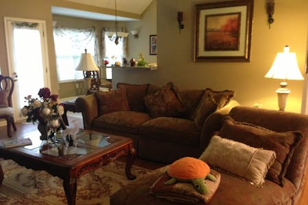 Private one Bd/Ba in beautiul home