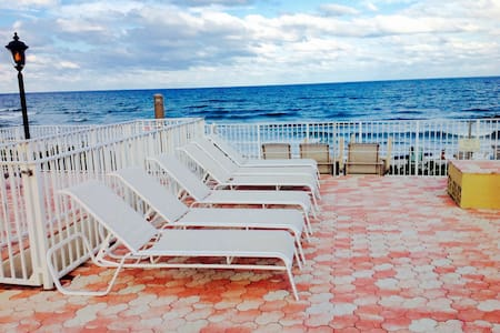 Waterfront Seasonal Rental - Társasház