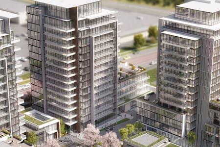 Brand new 1 bedroom and a den Condo - Richmond Hill - Condominium