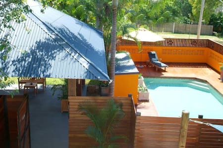 Holiday units 2 mins from beach - unit 2 - Appartement