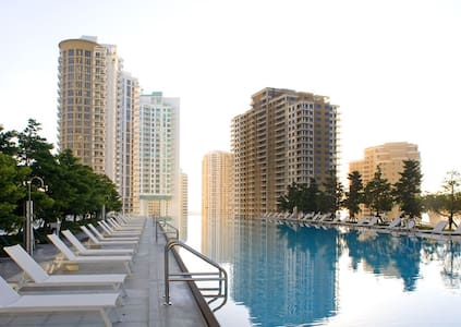 1 bed Apt in beautiful luxury condo - Apartamento