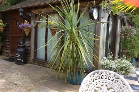Beautiful room in West Sussex - Billingshurst - Apartament