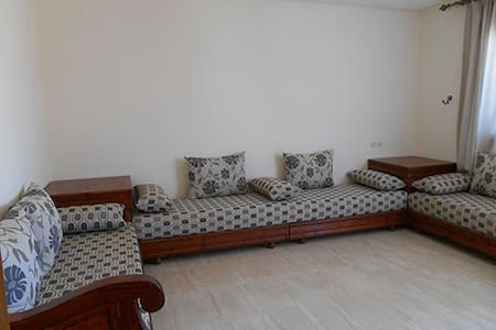 Appartement meublé 2 chambres + salon + cuisine - 아파트(콘도미니엄)